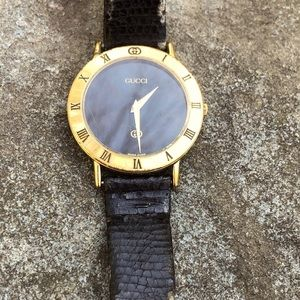 Gucci vintage ladies museum watch gold plated